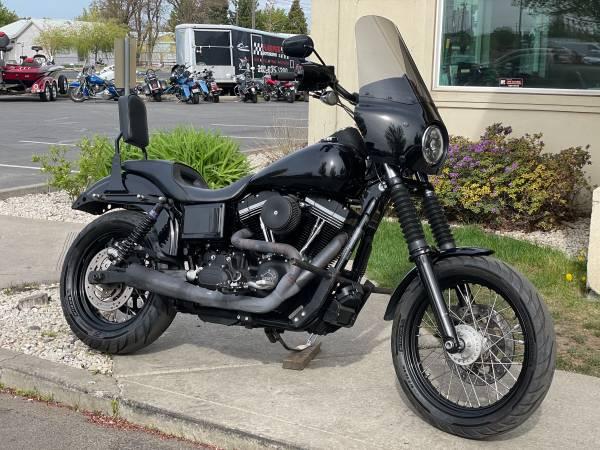 Photo 2017 Harley Davidson Street Bob Dyna - $9,995 (Harper Motorsports)