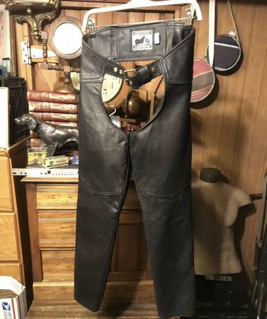Photo CALIFORNIA CREATIONS Leathers Black MOTORCYCLE Chaps USA MADE Womens S - $65 (Spokane Valley)