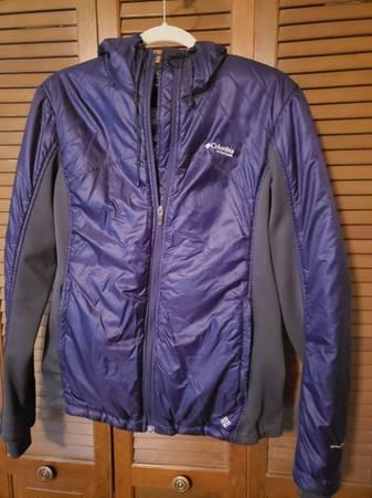 Photo Columbia Titanium purple jacket - $15 (Post Falls)