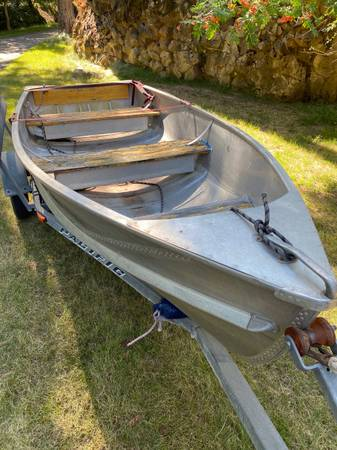Photo Crestliner boat - $650 (Hayden Lake)
