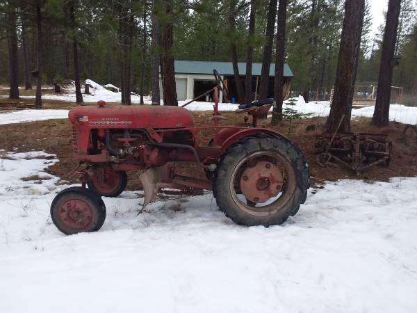 Photo Farmall cub tractor - $3,800 (Athol)