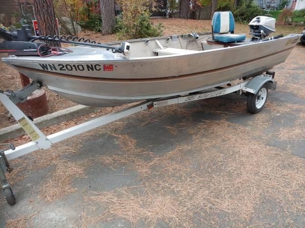 Photo Hewes Craft 14ft fishing boat - $2,000 (Spokane)
