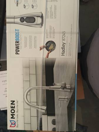 Photo New in box Moen kitchen faucet - $115 (Bigelow Gulch)