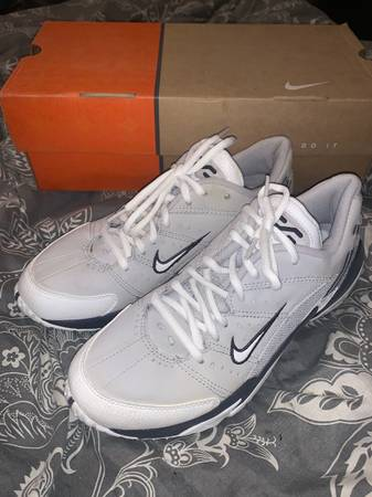 Photo New womens Nike Tennis Shoes size 9 - $50 (North Spokane)