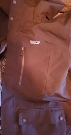 Photo (Patagonia Topley Down Jacket -L) - $250 (Post Falls)