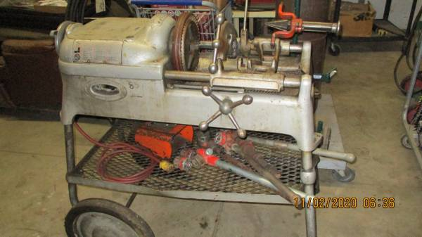 Photo Ridgid 535 pipe threader and lots of hand tools - $1,400 (post falls exit 2)