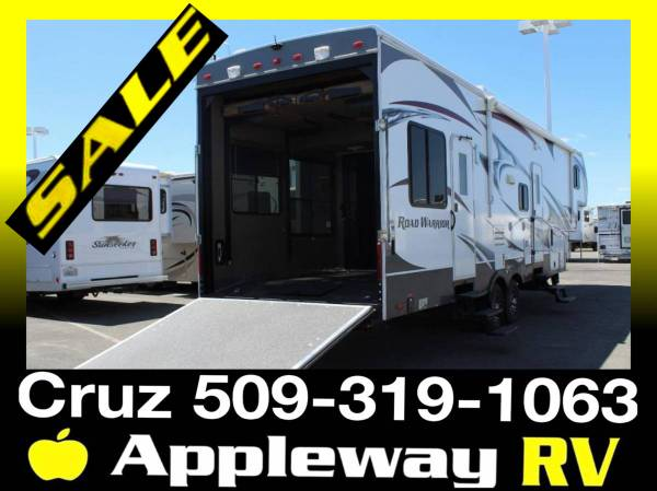 Photo Road Warrior 30c Toy Hauler - $39,998 (Liberty lake)