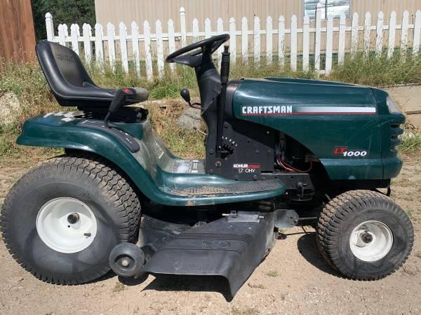 Photo Sears Craftsman Lawn Tractor 42 Mower Deck 17.0 hp Kohler Hydro - $745