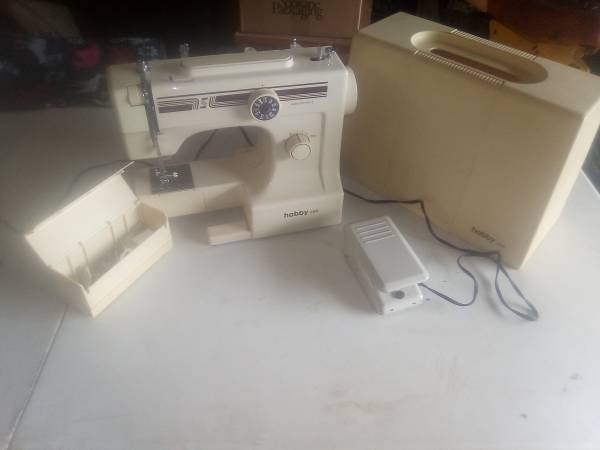 Photo Sewing machines - $50 (Perry district)
