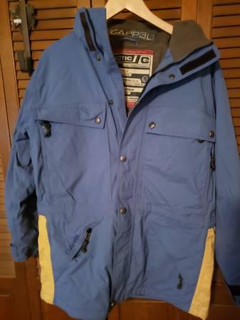 Photo Snowboarding jacket CAPP3L size small - $50 (Post Falls)