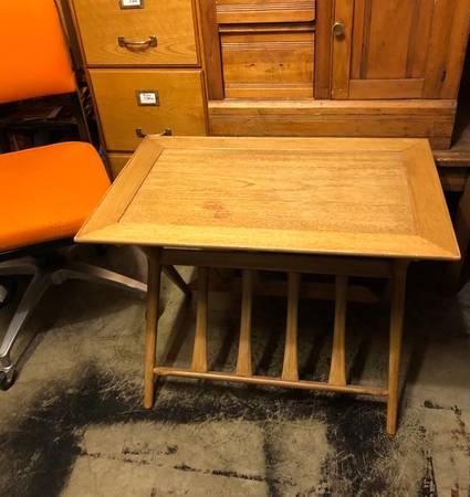 Photo UNIQUE Mid Century Modern Table Coffee Magazine L End Danish Blonde - $300 (Spokane Valley)