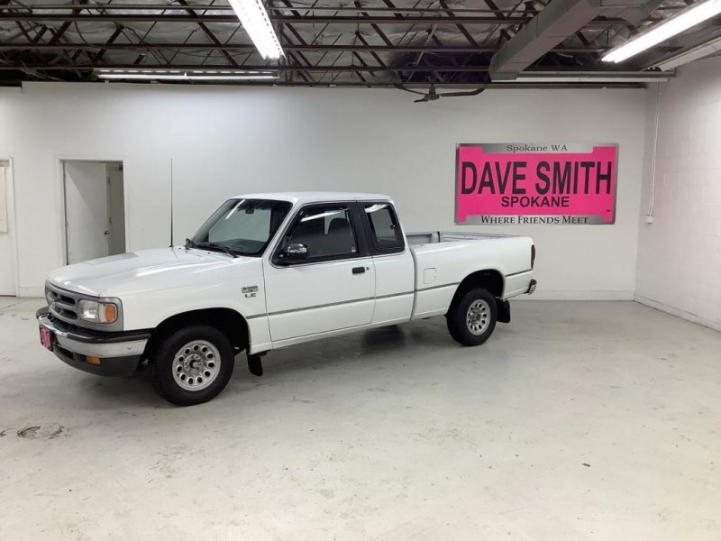 Photo Used 1994 MAZDA B-Series Pickup 2WD Cab Plus B4000 LE for sale