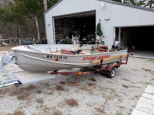 Photo 14 ft aluminum boat with trailer - $800 (Kimberling City)