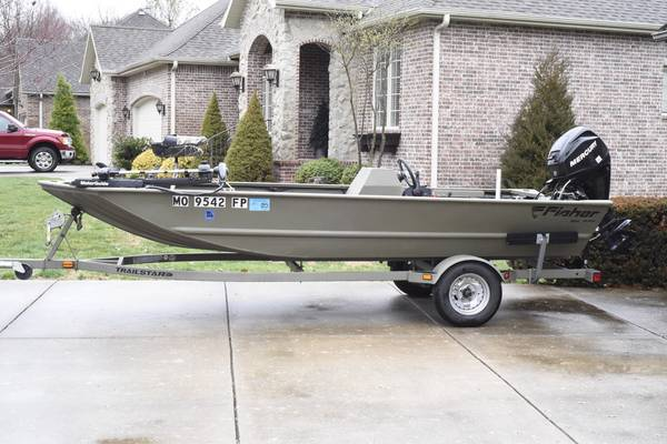 Photo 16.539 Fisher Boat 25 HP motor - $9,499 (Springfield)