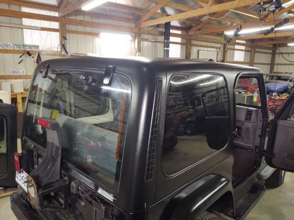 Photo 1997-2006 Factory OEM Jeep Mopar TJ Wrangler Hard Top - $1,600 (Forsyth)