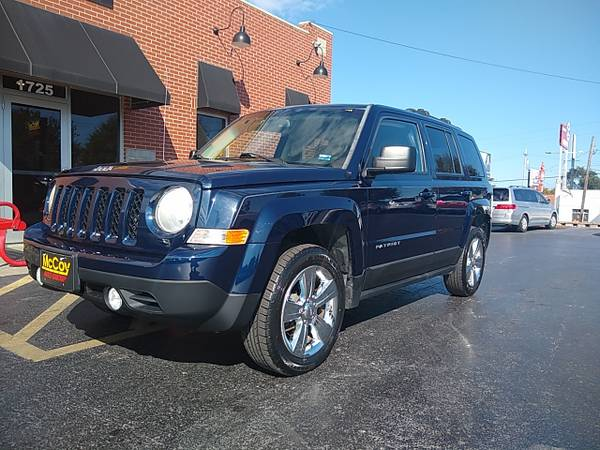 Photo 2012 Jeep Patriot Latitude 2WD (Springfield, MO)