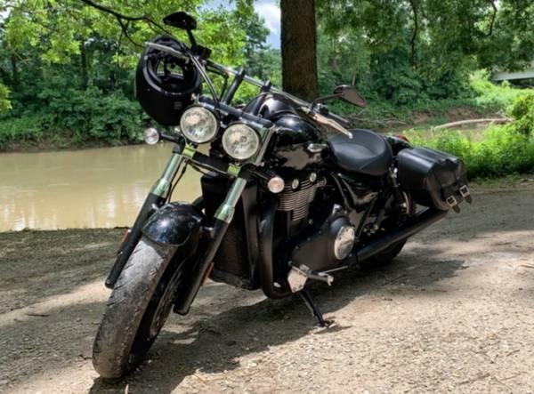 Photo 2014 Triumph Thunderbird Storm Motorcycle - $4900 (REEDS SPRING)