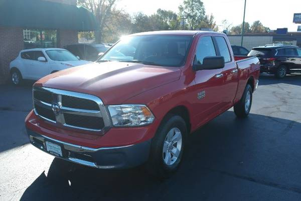 Photo 2017 Ram 1500  V6  2WD  4 door extended cab  - $17949 (Springfield MO)