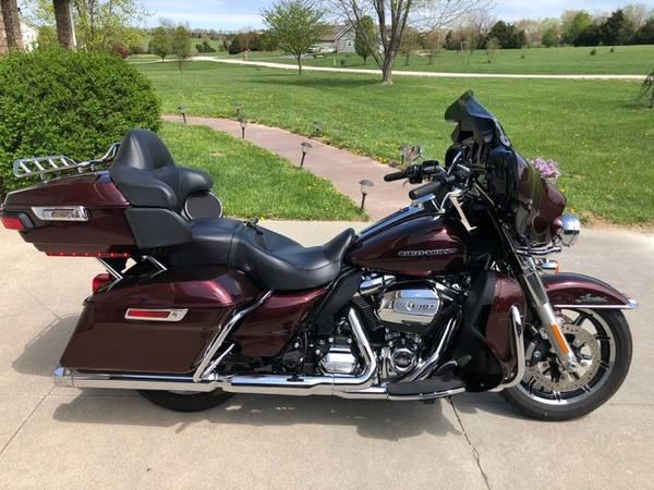 Photo 2018 Harley Davidson Ultra Limited LOW SALE PENDING  - $24,500 (MARSHFIELD, MO)