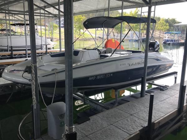 Photo 2018 Tahoe 2150 Deck Boat wtrailer - $32,500 (Branson)