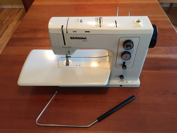 Photo BERNINA  Vintage mechanical 830 Record Sewing Machine - $500 (Springfield)