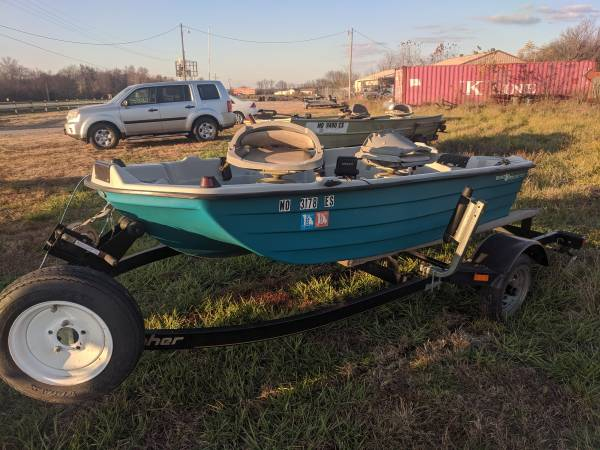 Photo Bass Hound and Trailer - $1,375 (Collins)