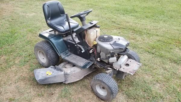 Photo Bolens Riding Lawn Mower 22HP  46quot deck - $250 (Bolivar)