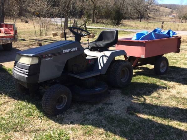 Photo Craftsman 42 inch cut Lawn tractor - $295 (Crane to Springfield)