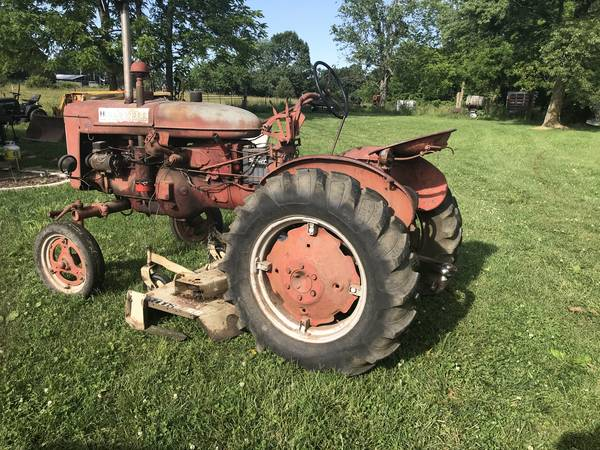 Photo Farmall Super A with 60in Woods Belly Mower - $2,500 (Aurora)