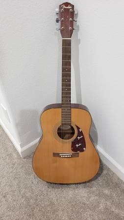 Photo Fender DG-7 Guitar - $100 (Mt. Vernon)