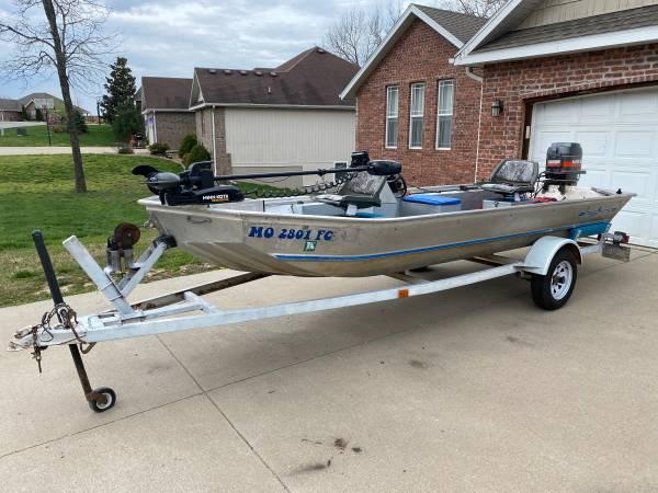 Photo Fisher 16ft aluminum bass boat 50hp Mariner - $4,800 (Branson)