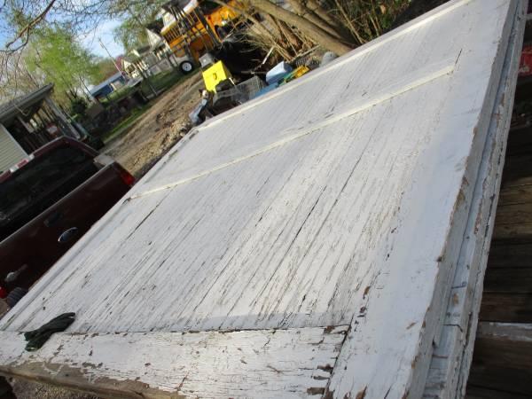 Photo Good Pair 839X839 Wood Sliding Barn Doors - $200 (Highlandville, Mo)
