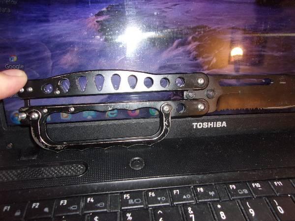 Photo HUNTING KNIFE - $25 (AURORA MO)