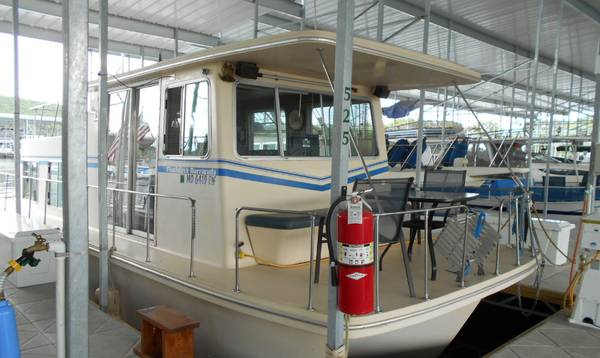 Photo Houseboat for sell - $24,000 (Shell Knob)