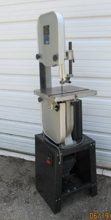Photo Jet 14 inch Wood Cutting Bandsaw - $525 (Kirbyville)