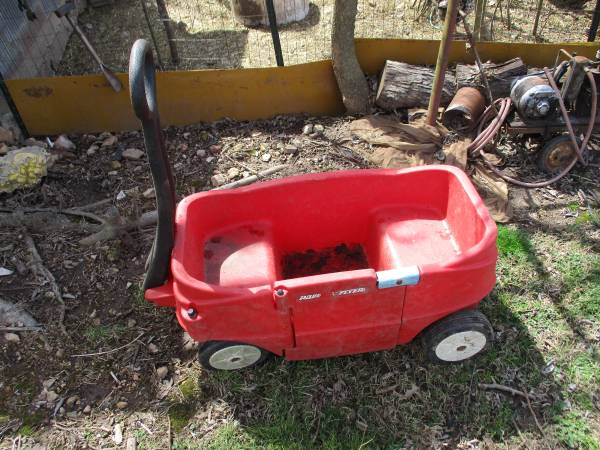 Photo Kids Size Plastic Little Red Wagon - $10 (Highlandville, Mo)