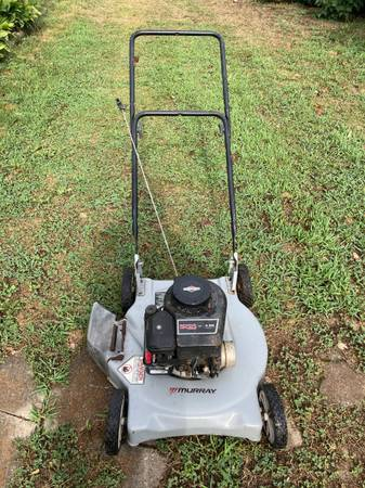 Photo Murray Lawn Mower - $35 (Clever Mo)