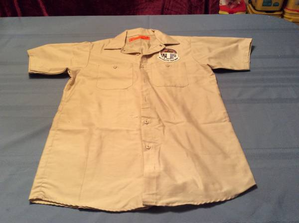 Photo New Mens Work Shirts Medium  Priced Per Shirt - $3 (Ozark)