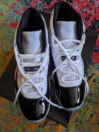Photo Nike Jordan 11 Concord - BNIB - $450 (Pleasant Hope)
