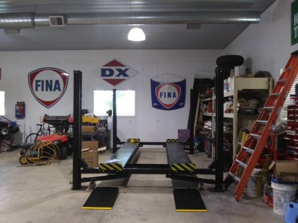 Photo PICK UP AND SAVE ON CARLIFTS MANY MODELS OF 24 POST LIFTS - $1 (SPRINGFIELD)
