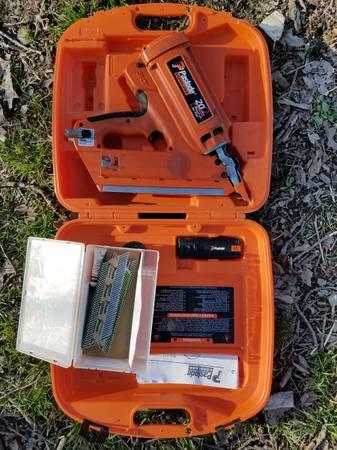 Photo Paslode 30 degree cordless framing nailer - $250 (Verona)