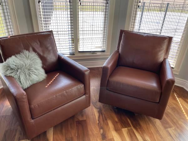 Photo Pier one rocking, swivel modern chairs (2) - $300 (Rogersville)