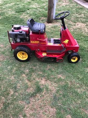 Photo Yazoo Riding Lawn Mower - $575
