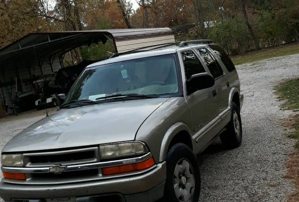 Photo 2002 Chevy Blazer 4x4 - $1,500 (Springfield)