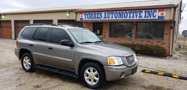 Photo 2007 GMC Envoy SLT - 4X4 -Loaded  - $3495 (TORRES AUTOMOTIVE - PANA , IL)