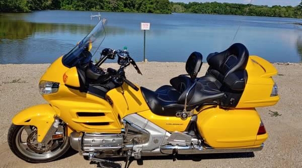 Photo 2010 Honda Goldwing (Mint) - $12,000 (Wentzville)