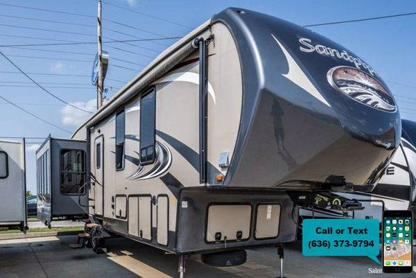 Photo 2015 FOREST RIVER SANDPIPER - $39,900 ( Travers Automotive RV Group)