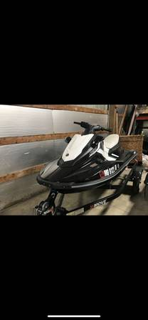 Photo 2017 Yamaha Ex sport - $4,900