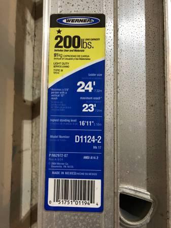 Photo 24 foot Werner aluminum ladder - $70 (Springfield)