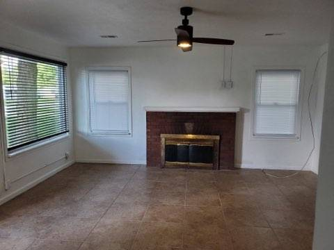 Photo 2br1ba2c garage for rent. Section 8 welcome. (Springfield)